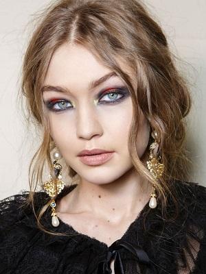 Gigi Hadid Metalic Eyeshadow