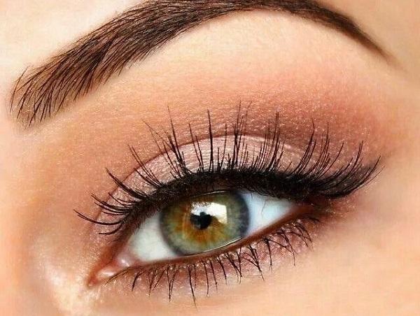 Pratik göz makyajı nasıl yapılır