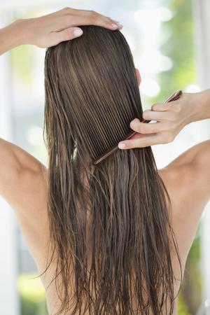 Saç bakım sprayi nasıl uygulanır