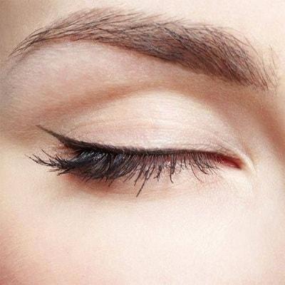 İnce Eyeliner Nasıl Sürülür